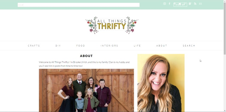 homepage of a blogger that thrifts for lifestyle, not only for clothes