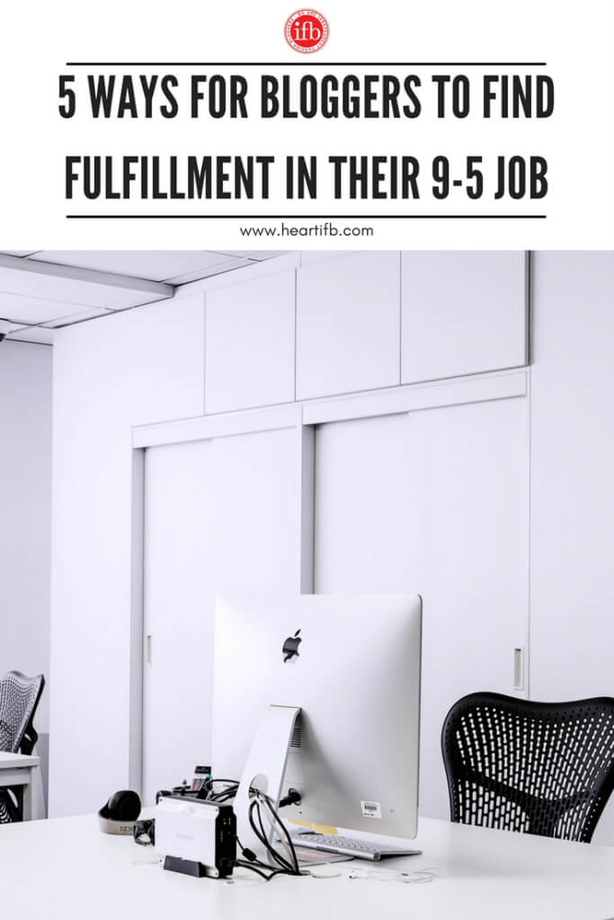 Bloggers Find Fulfillment Day Jobs