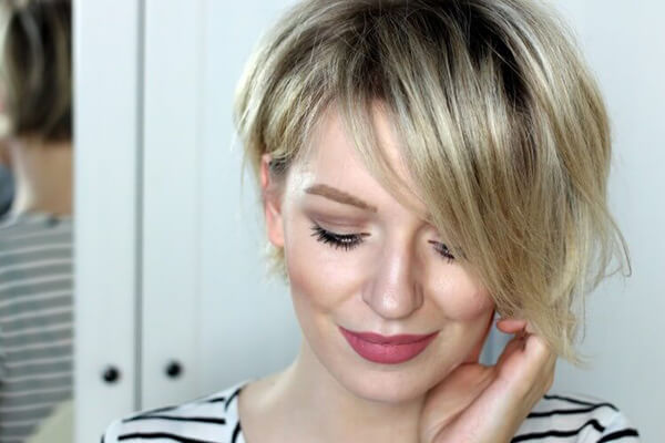 cropped short blonde hair