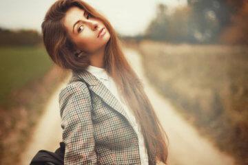 fashion blogger brown hair