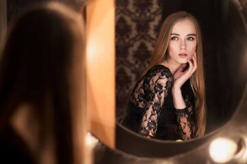 fashion model mirror
