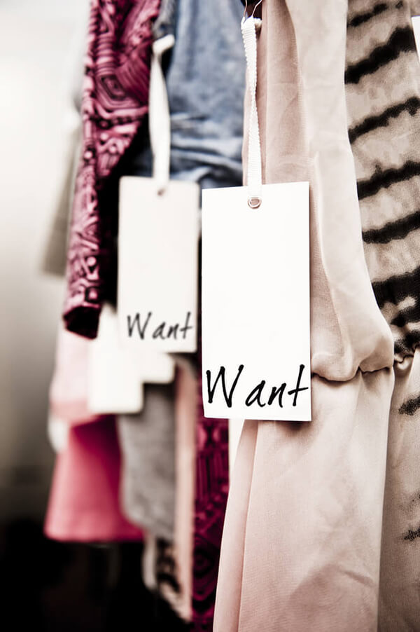 hanging cloths tags