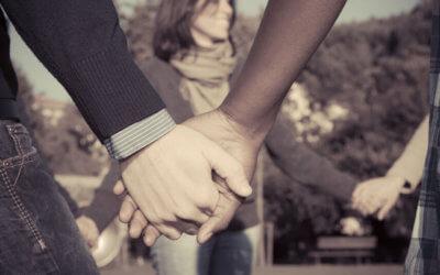 holding hands network links concept