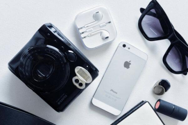 iPhone vs Digital Camera For Bloggers