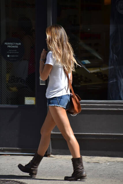 street fashion short shorts